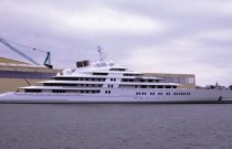 Azzam, the biggest yacht of the world