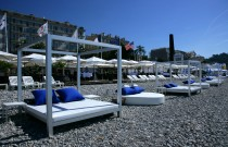 A Woman season at the Plage Beau Rivage