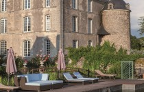 An enCHAnTinG CASTLe in AnJoU