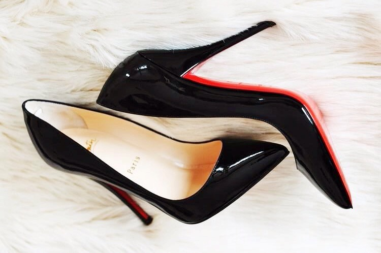louboutin femme pigalle