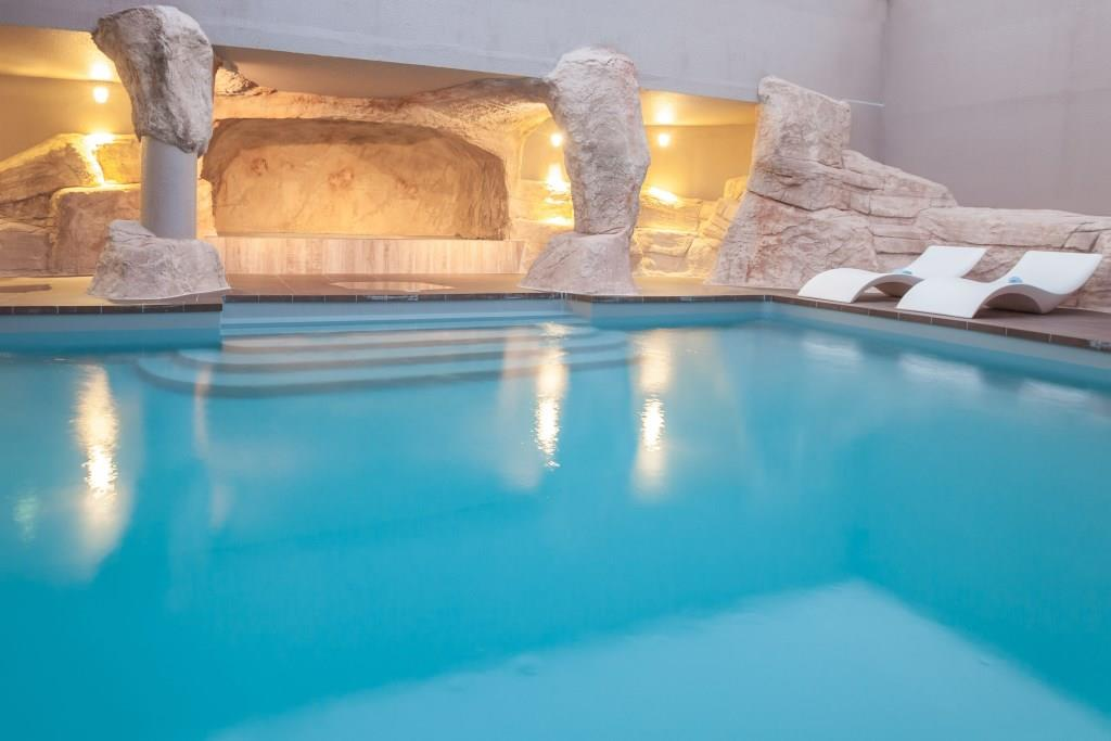 Hotel_Royal_Ours_Blanc_piscine3