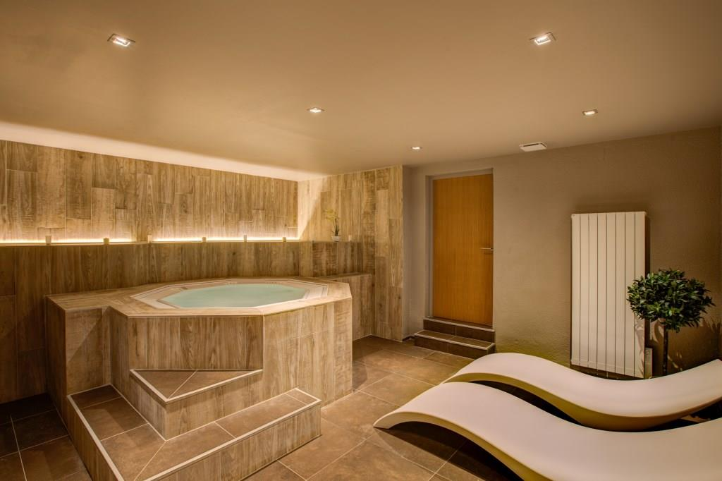 Hotel_Royal_Ours_Blanc_spa2