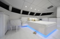 Yacht Violetta : luxueux appartement flottant