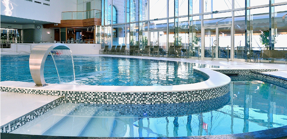 Thermes-marins-Monte-Carlo-swimming-pool-2