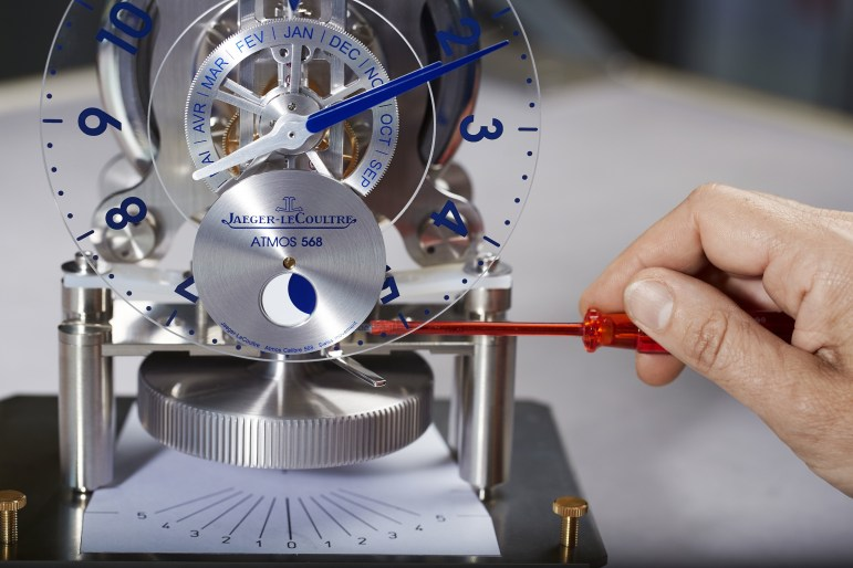 making-of-atmos-568-by-marc-newson-%e2%88%8f-johannsauty-jaeger-lecoultre-9