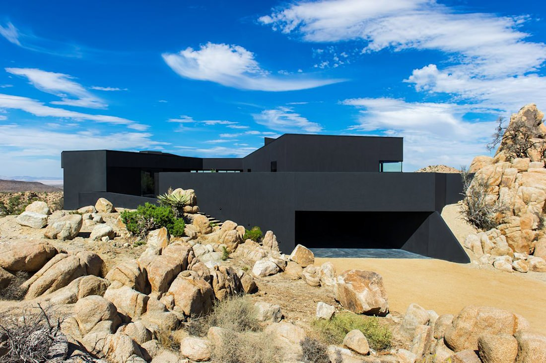 black-desert-house-ensemble-maison