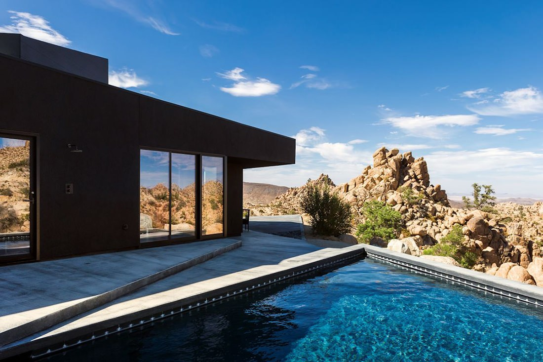 black-desert-house-piscine