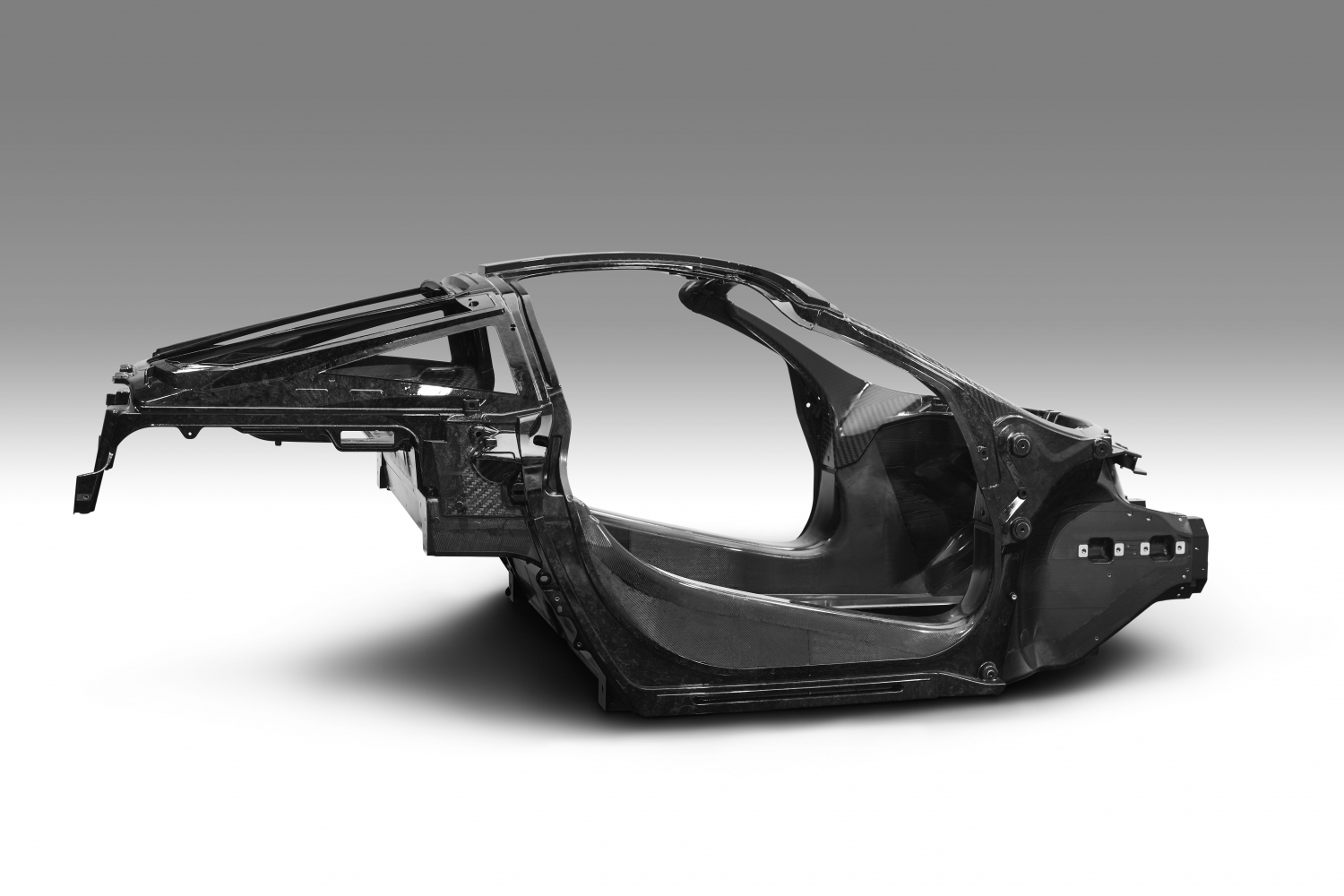 small-7377040117_mclaren-automotive-announces-second-generation-super-series_monocage-ii-image_final