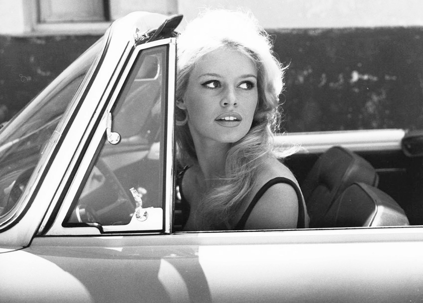 French-goddess-Brigitte-Bardot-in-Saint-Tropez-1